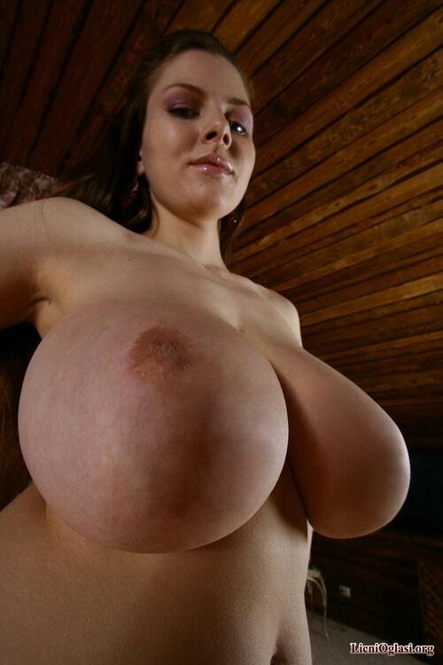Мега голая грудь фото